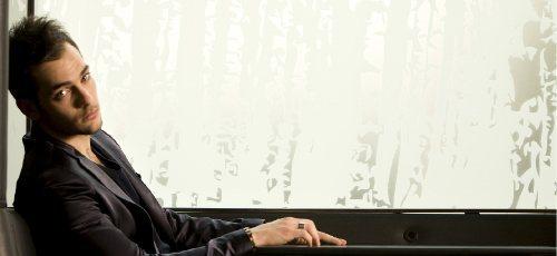 """Intervista a Tony Maiello che aspetta il Festival di Sanremo con il brano """"Il linguaggio della resa"""""""