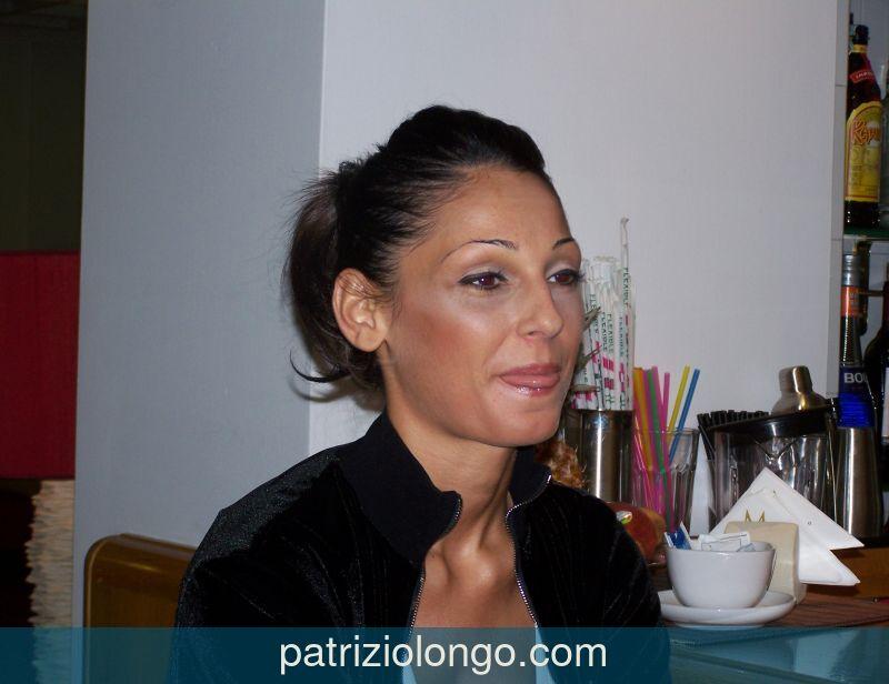anna-tatangelo-bar-06-08.jpg