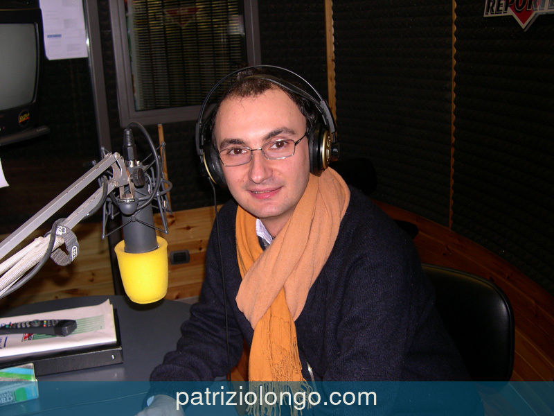 patrizio-longo-reporter-microfono-05-04.jpg