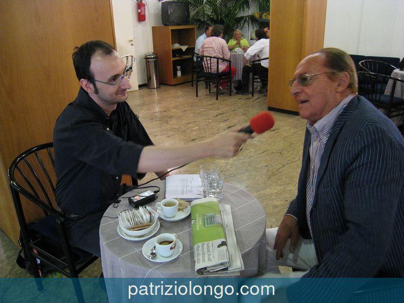 renzo-arbore-patrizio-longo-tavolo-06-08.jpg