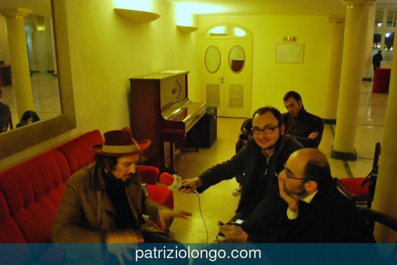 vinicio-capossela-divano-12-08-01.jpg