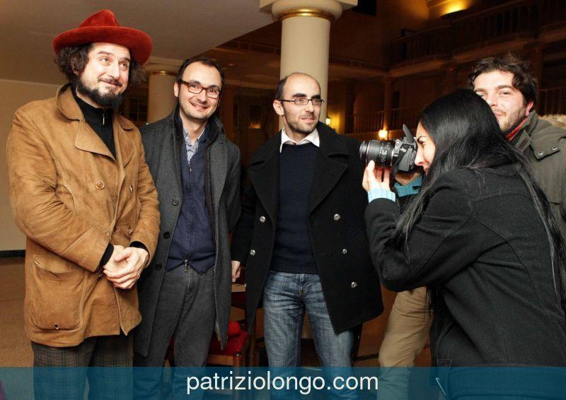 vinicio-capossela-stampa-12-08.jpg